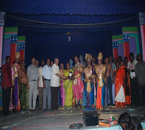 Gallery-2008-Drama-Karnanum Kannanum-01