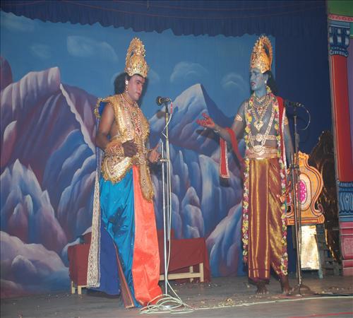Gallery-2008-Drama-Karnanum Kannanum-07