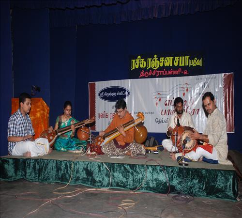 Gallery-2011-Instrument-Veenai Sivakumar-06