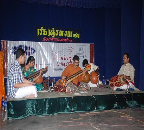 Gallery-2011-Instrument-Veenai Sivakumar-07