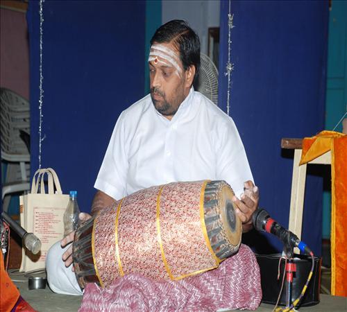 Gallery-2011-Lv14th-Vocal-Mambalam Sisters Vijayalakshmi & Chitra-06