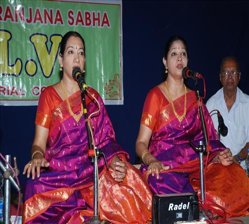 Gallery-2011-Lv14th-Vocal-Mambalam Sisters Vijayalakshmi & Chitra-08