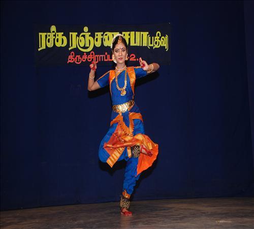 Gallery-2011-TNIINM-Bharathanatiyam-06