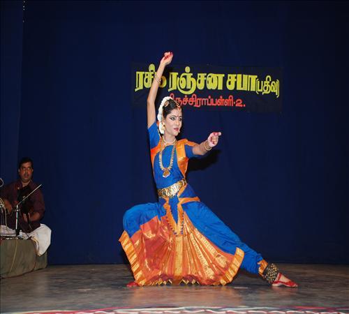 Gallery-2011-TNIINM-Bharathanatiyam-10