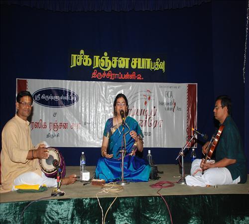 Gallery-2011-Vocal-Amirtha Venkatesh-AMIRTHAVENKATESHG1