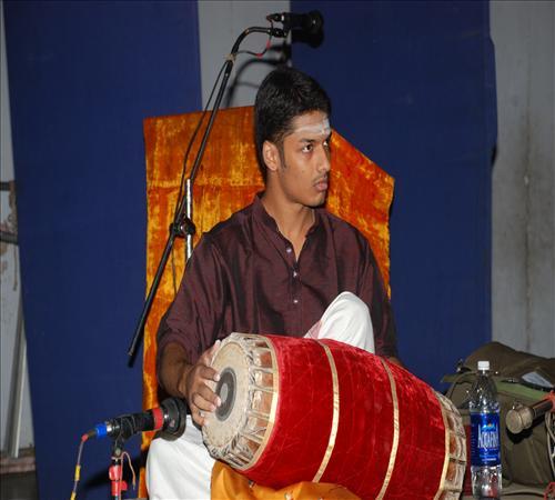 Gallery-2011-Vocal-Maharajapuram S.Srinivasan-Sumesh S.Narayanan Mir