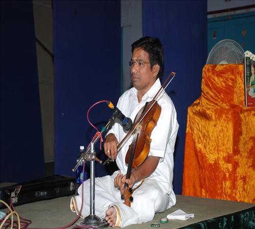 Gallery-2011-Vocal-Sakethraman-RAMADHAS VIO
