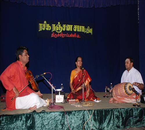 Gallery-2011-Vocal-Varalakshmi Ananthakumar-06