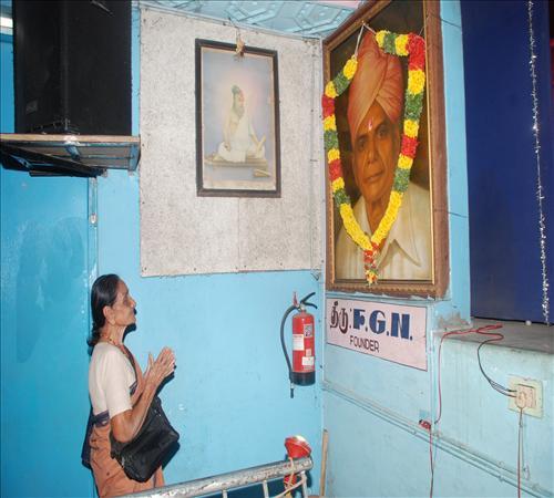 Gallery-2012-FGN-Muththamilil oru thamil Sathyaseelan-01