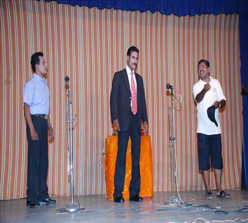 2010-Drama-Vanga Maapillai Vanga-05