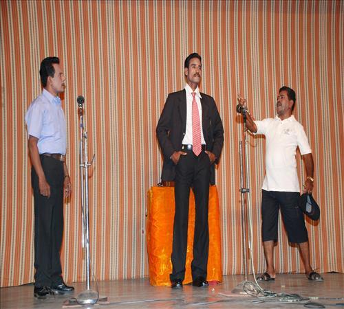 2010-Drama-Vanga Maapillai Vanga-07