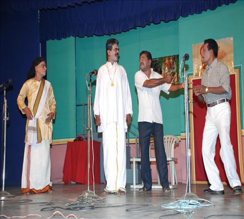 2010-Drama-Vanga Maapillai Vanga-11