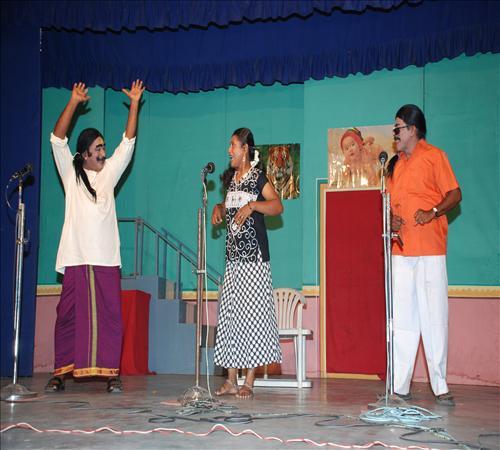 2010-Drama-Vanga Maapillai Vanga-14