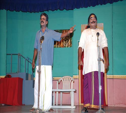 2010-Drama-Vanga Maapillai Vanga-15